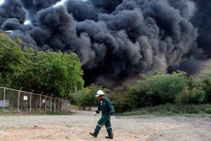 El incendio en una petrolera de Nicaragua se encuentra confinado en dos tanques