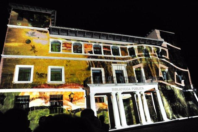 Espectáculo de luz y sonido por el 15 aniversario de Dinópolis