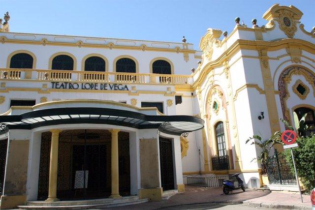 El Teatro Lope De Vega Y El Casino De La Exposición.
