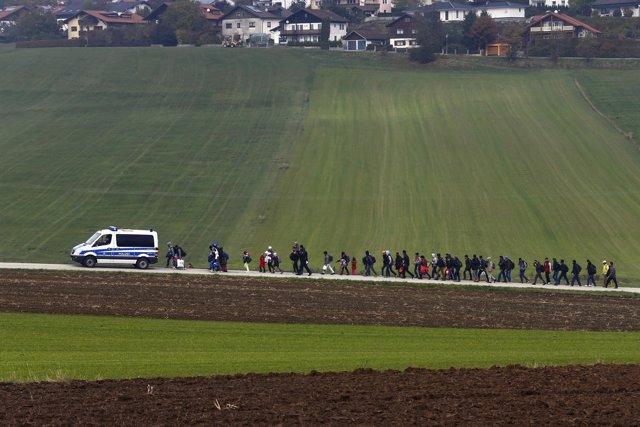 Inmigrantes en frontera de Alemania