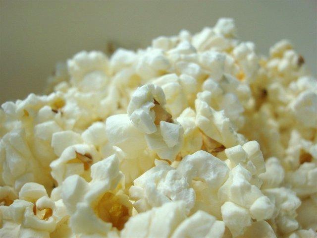 FACUA denuncia a un cine de Tenerife por impedir acceder con comida del exterior