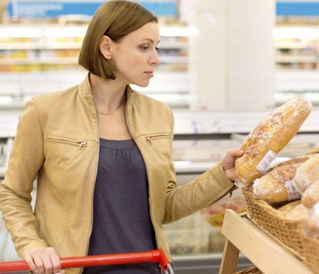 Mujer, pan