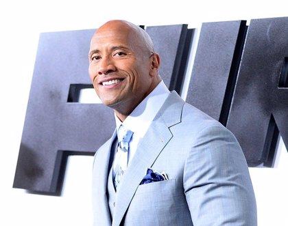 """Dwayne """"The Rock"""" Johnson se despide del equipo de Fast 8... menos de Vin Diesel"""