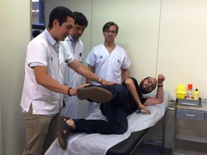 Sustituyen un músculo de la pierna por uno de la espalda a un paciente