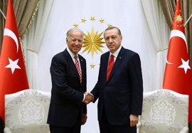 Biden defiende ante Erdogan el derecho de Turquía a proteger su frontera
