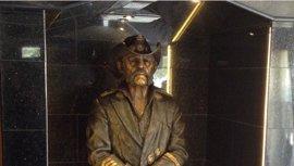 Lemmy Kilmister ya tiene su estatua en el Rainbow, su bar favorito