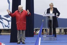 Jean-Marie Le Pen presentará candidatos en las próximas elecciones en contra del partido de su hija