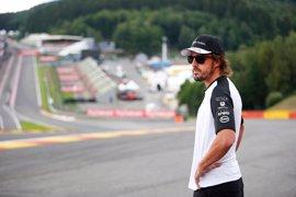 Alonso llega revitalizado tras el parón veraniego a un circuito 'maldito'