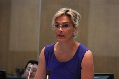La precandidata ecuatoriana Cynthia Viteri denuncia haber sido deportada de Venezuela