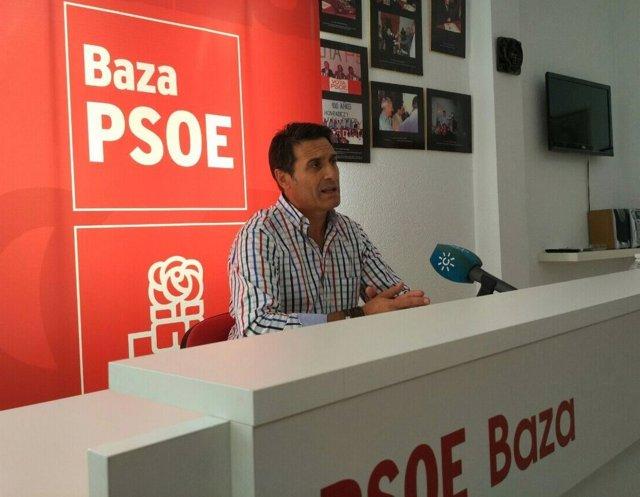 Secretario de Ordenación del Territorio y Vivienda del PSOE-A, Pedro Fernández