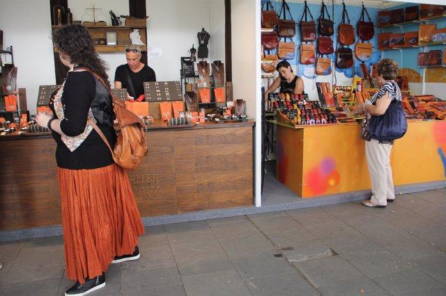Expositores de la Feria de Artesanía de Palencia