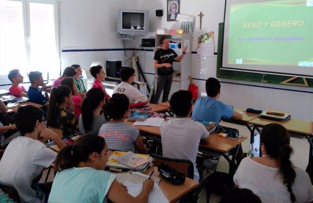 Un trabajador social del Área Sanitaria Norte de Jaén en una de las actividades.
