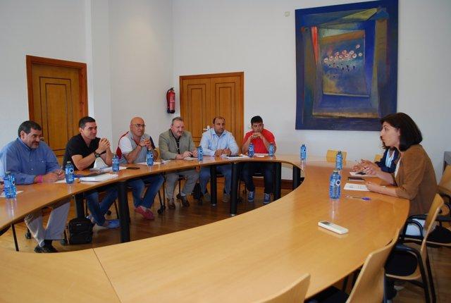 Xunta y sindicatos firman un acuerdo los trabajadores antiincendios