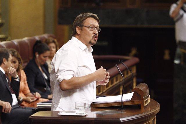 Xavier Domenech se abrazan en el Congreso en la sesión de investidura