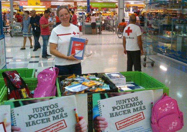 Cruz Roja Málaga Y Carrefour: Recogida De Material Escolar Con La 'Vuelta Al Col