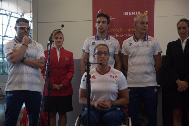 Teresa Perales junto a David Casinos y Gerard Descarrega