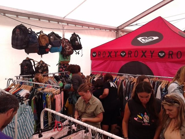 Feria del stock de surf en Somo