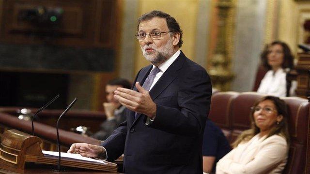 Rajoy defiende su investidura en el Congreso