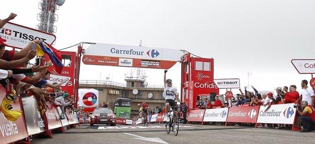 Froome bate a Quintana en Peña Cabarga