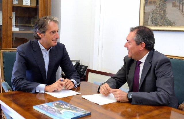 Espadas con el alcalde de Santander.