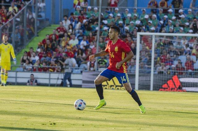 Thiago en el partido de España - Georgia