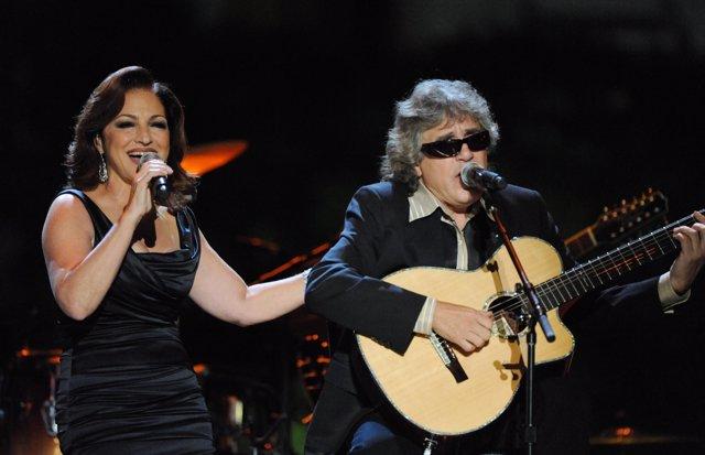 Gloria Estefan y José Feliciano en la Fiesta Latina organizada por la Casa Blanc