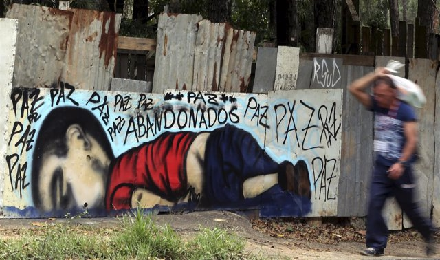 Graffiti drowned Syrian toddler Aylan Kurdi in Sorocaba