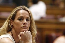 Zaida Cantera mantiene su no a Rajoy y podría romper la disciplina si el PSOE se abstiene