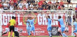 Zaragoza y Levante, colíderes de la Liga 1/2/3