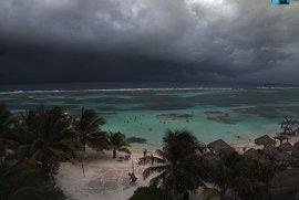 En alerta ocho estados de México por el paso de la tormenta 'Newton'
