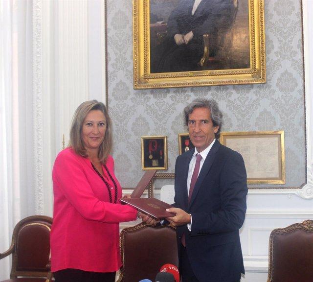 Sonia Gumpert (izquierda) y Miguel Ángel Sánchez (derecha), los firmantes del ac