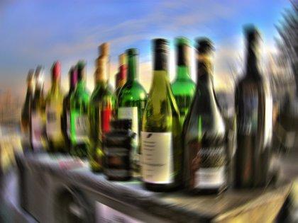 ¿Cuánto alcohol puro consumen los españoles al año?