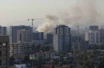 Mueren dos personas por un incendio en un centro para mayores en Santiago de Chile