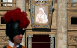 IU: ¿Cuánto costó que España estuviera en la canonización de Teresa de Calcuta?