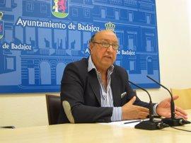 El gobierno local de Badajoz estudiará la limpieza y vigilancia de la zona que ha ardido en el incendio de Caya