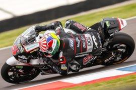 Zarco domina en Moto2 y partirá desde la pole