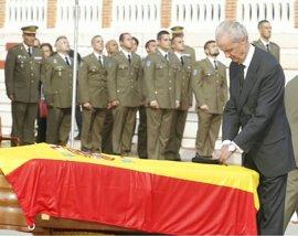 Morenés condecora al soldado Aarón Vidal, fallecido el pasado jueves en Irak