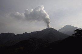 El volcán Santiaguito registra una explosión y emite ceniza a cinco kilómetros de altura