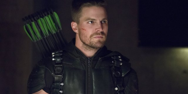 Stephen Amell es Oliver Queen en la serie Arrow