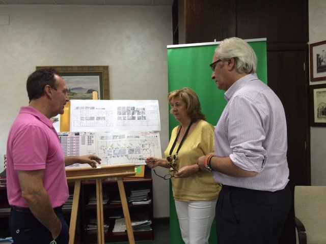 Reunión para planificar la puesta en marcha del centro de salud Bulevar.