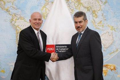 Perú y China buscan establecer vuelos directos entre ambos países