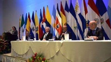 La Cepal insta América Latina a tomar medidas para mitigar los problemas de la región