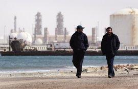 División en el Consejo Presidencial de Libia tras tomar Haftar varios puertos petroleros