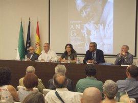 Llega a Málaga la exposición 'Antonio Gala. Eterno y de cristal'