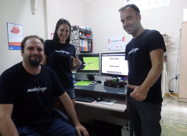 Responsables de Mentalpage, en las oficinas ubicadas en Zaragoza.