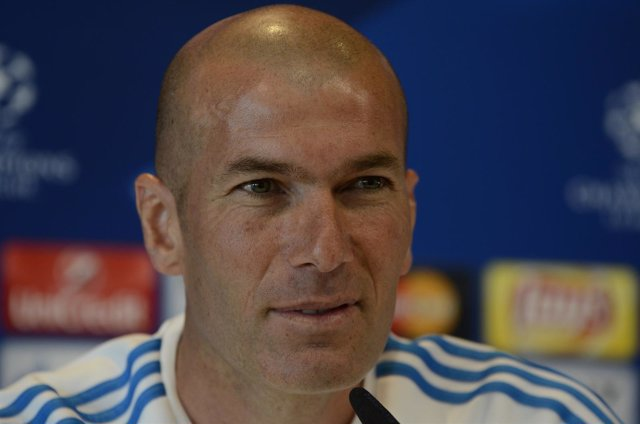 Zinedine Zidane en rueda de prensa durante el Open Media Day del Real Madrid