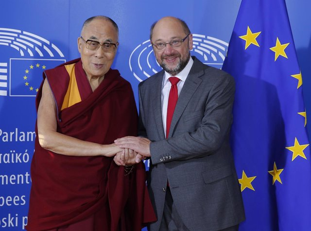 El Dalai Lama y Martin Schulz