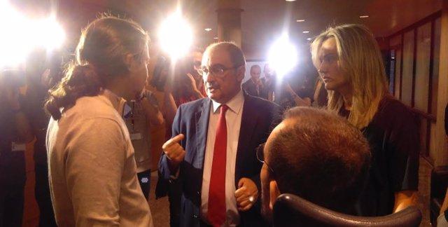 Pablo Iglesias y Javier Lambán en las Cortes.