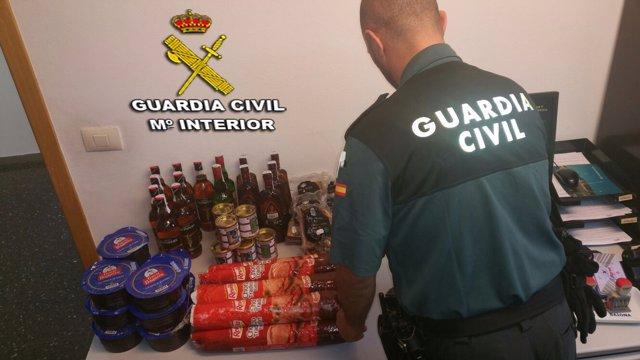 Detenidas en Baiona cuatro mujeres de Carballo por hurtos.