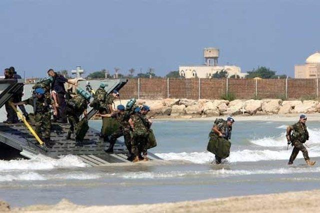 Desembarco de los primeros militares españoles en Líbano en el año 2006